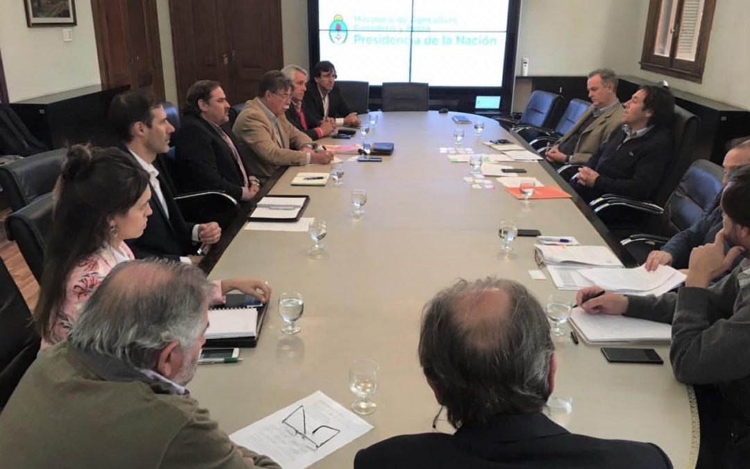 Envases Vacíos: Reunión de FeDIA con MIAGYP e invitación al Consejo Consultivo Nacional